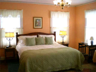 One of the spacious guest rooms at Oak Manor Inn.